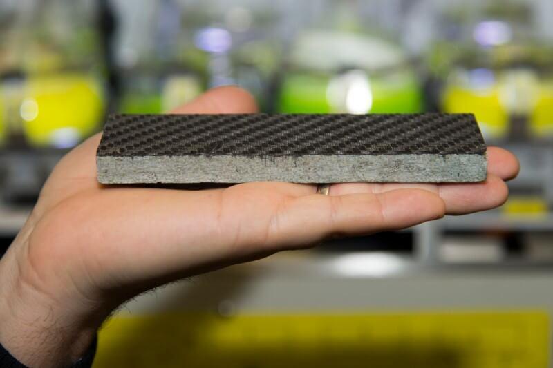 Estos materiales que pueden usarse en automóviles, aviones y edificios.