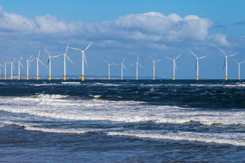 Las energías renovables generaron un total estimado de 29.5 TWh, en comparación con los 29.1 TWh de los combustibles fósiles.