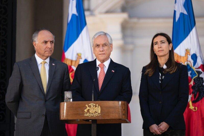 El Gobierno en funciones ofrece Madrid como sede de esta cita, que debía celebrarse en Santiago.