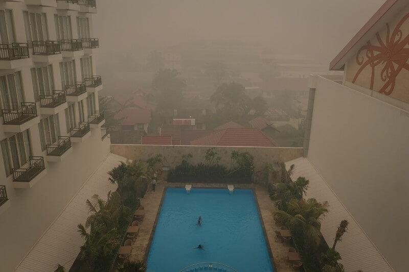 El número de focos de fuego en partes de las islas de Sumatra y Borneo ha aumentado durante la semana pasada a pesar de la lluvia.