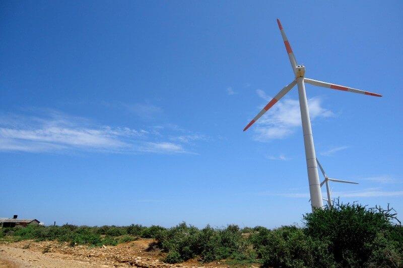 Siete generadoresobtuvieron cinco contratos para proyectos eólicos y tres de energía solar.