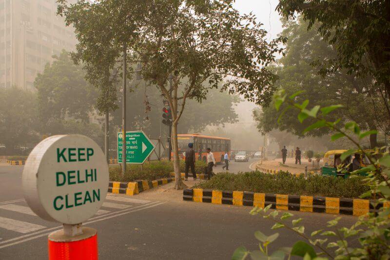 Las compañías de energía térmica representan alrededor del 80% de las emisiones industriales de la India de sulfuros y óxidos nitrosos en la India.