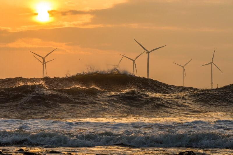 En las regiones de latitudes medias del Hemisferio Norte, la velocidad del viento se incrementó tres veces respecto al descenso observado de 1978 a 2010.