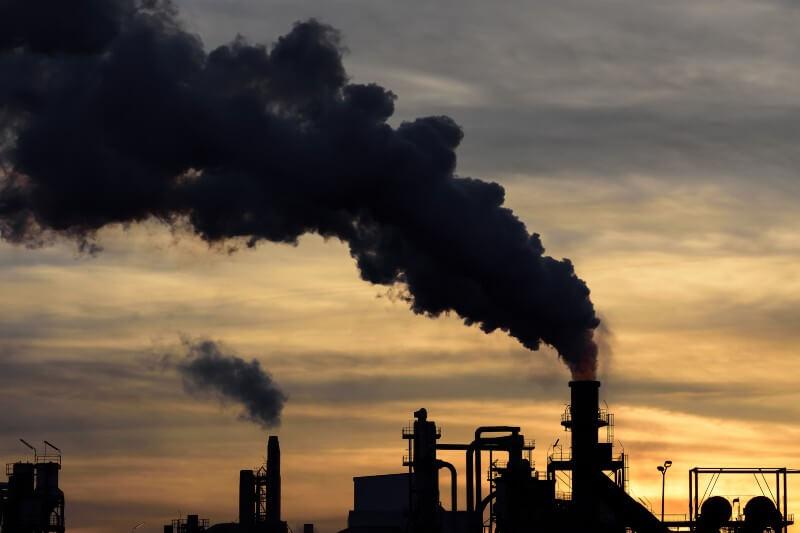 El CO2 de la energía volvió a alcanzar un récord en el 2018, pese a los síntomas de declive del carbón, que baja un 10% en Estados Unidos y en Europa.