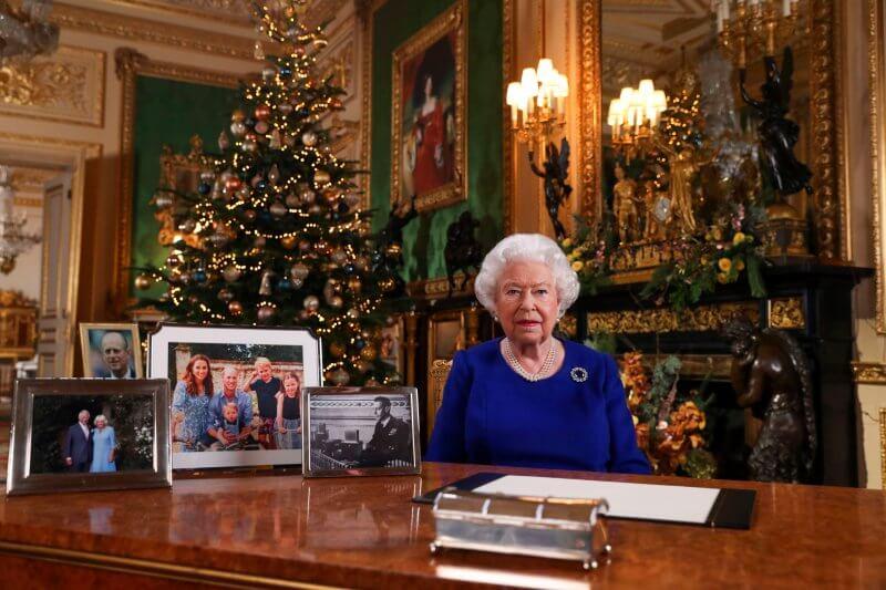 """La monarca británica dijo que estaba impresionada por el """"sentido de propósito"""" de los activistas juveniles en la lucha contra el calentamiento global."""