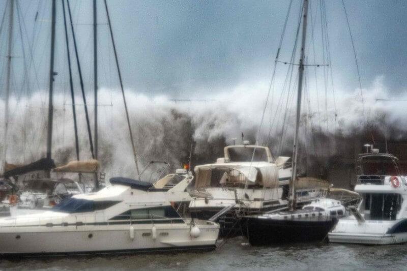 """El jefe de playas del Área Metropolitana de Barcelona aseguró que el litoral barcelonés padece las """"peores afectaciones en 30 años""""."""