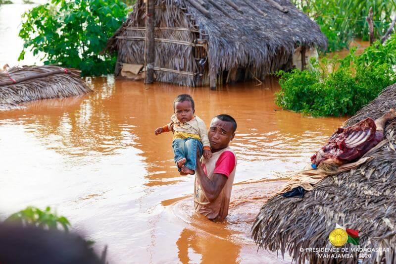 Después de una semana de lluvias e inundaciones, continúan los trabajos de rescate en Madagascar, África.