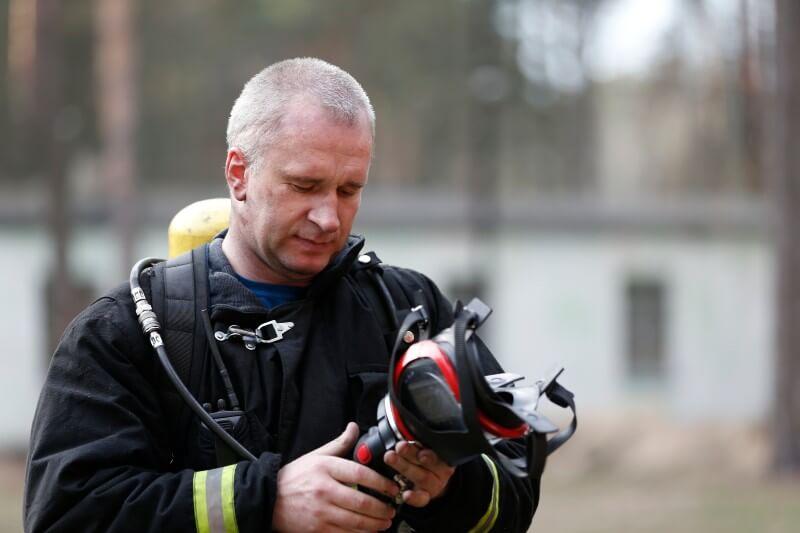 IBM está ayudando a probar y lanzar un dispositivo de bajo costo para monitorear los riesgos de salud para los bomberos
