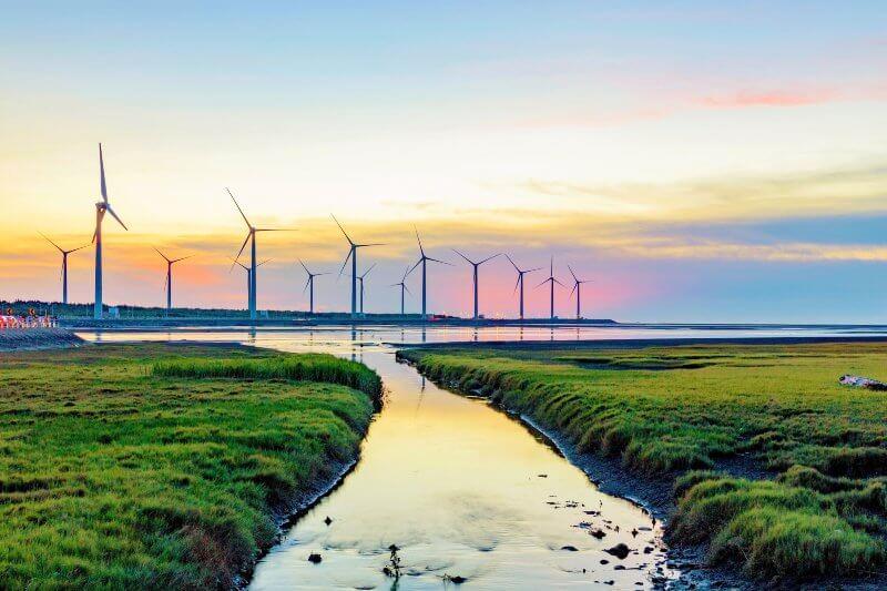 En todos los mercados energéticos del mundo, es más barato invertir en energías renovables que el carbón.
