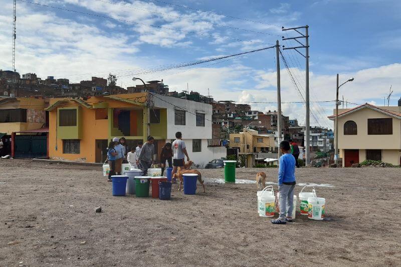 El agua comenzó a ser escasa para más de 200,000 personas en la región centro-sur, la mayoría de ellas de la comunidad indígena quechua.
