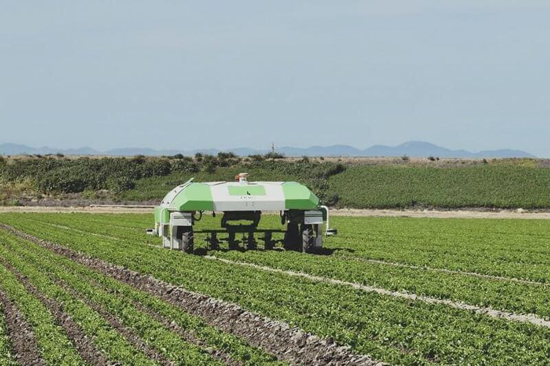 """La empresa ya tiene unos 150 robots """"herbicidas autónomos"""" en uso en Canadá, Europa y Japón"""