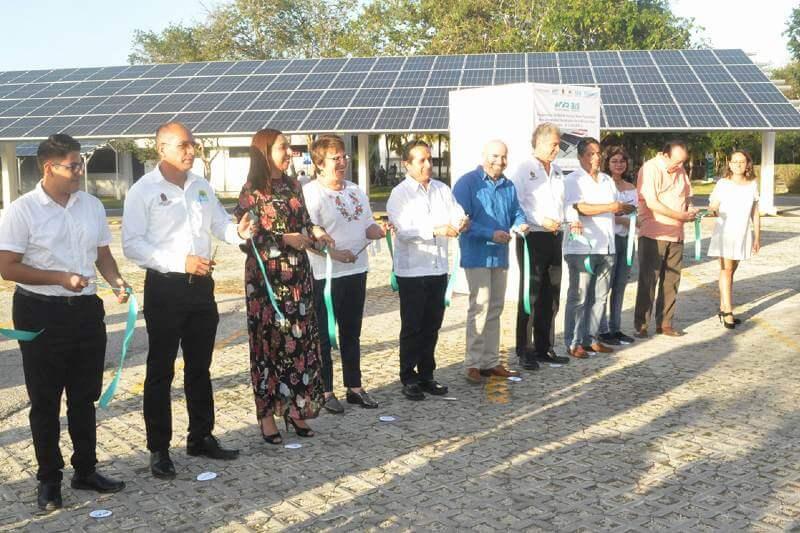 Esta universidad en México inaugura un importante Sistema de Generación de Energía a través de Paneles Solares Fotovoltaicos.
