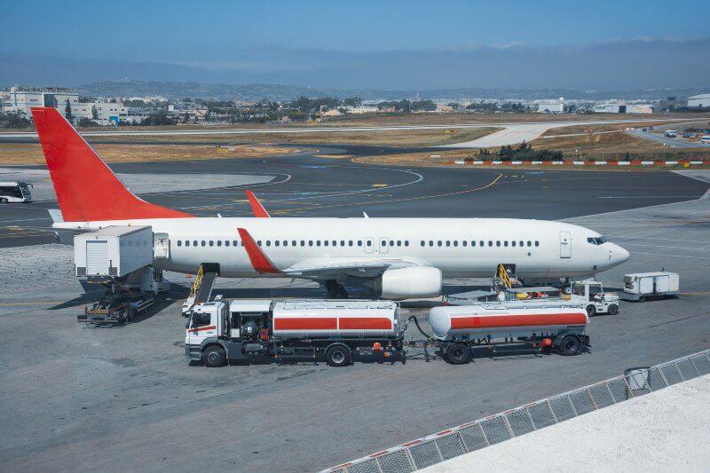 Activistas proponen no rescatar aerolíneas de crisis de coronavirus
