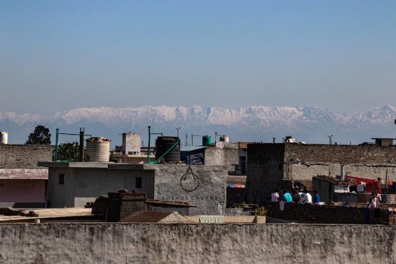 El Himalaya puede verse nuevamente desde la india debido a la baja de contaminación