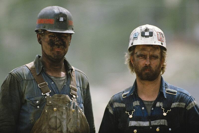 Mineros son más vulnerables al coronavirus por exposición a contaminación del carbón