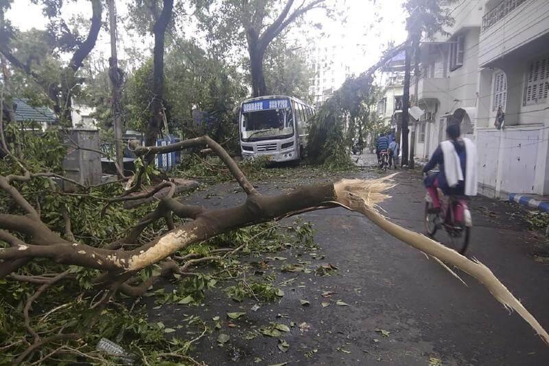 Ciclón Amphan deja decenas de muertos en India y Bangladesh