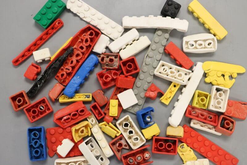 Los lego pueden durar hasta 1,300 años en el océano