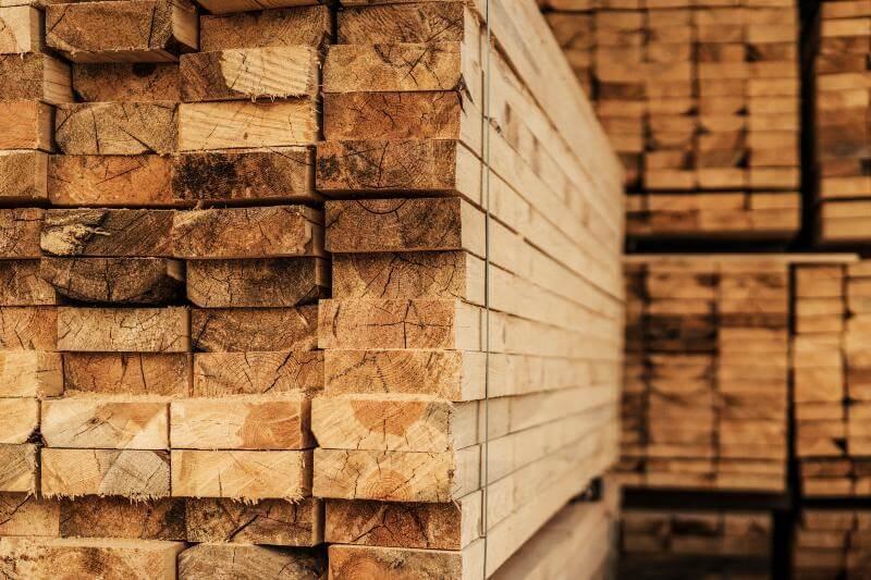Francia tiene un sitio web que indica dónde donar y conseguir madera gratis