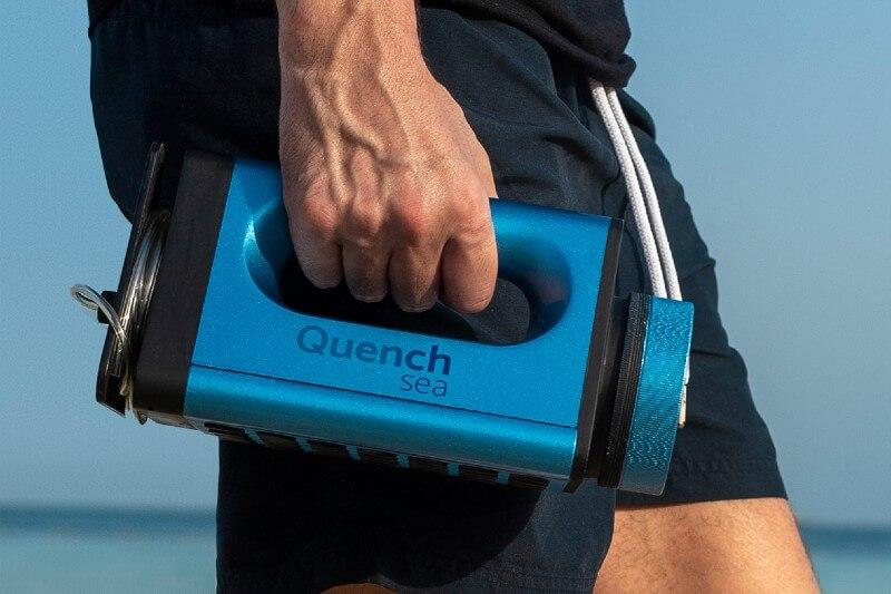 Dispositivo que convierte el agua salada en potable