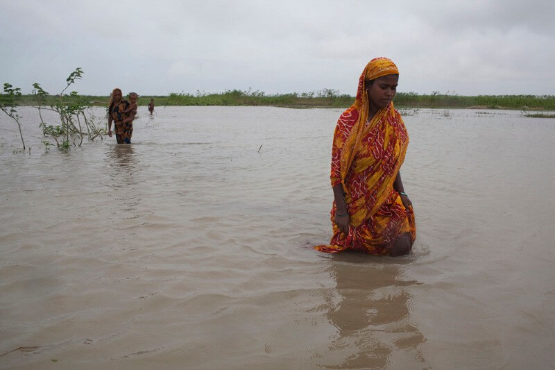 Mujeres son las más afectadas por desplazamientos y migración climática