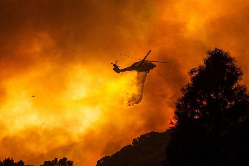California enfrenta múltiples incendios forestales por ola de calor