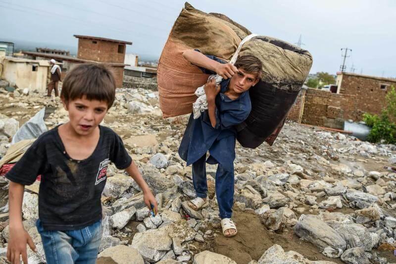 Inundaciones en Afganistán matan a más de 70 personas