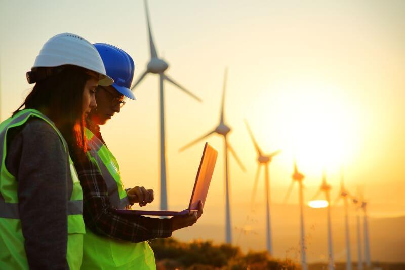 Recuperación económica con energía renovable