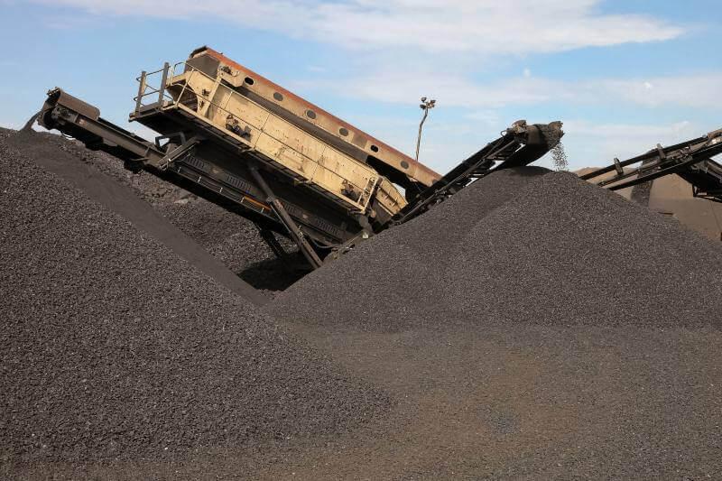 Sudáfrica refuerza restricciones para plantas de carbón