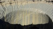 Crater en Siberia podría vincularse al cambio climático