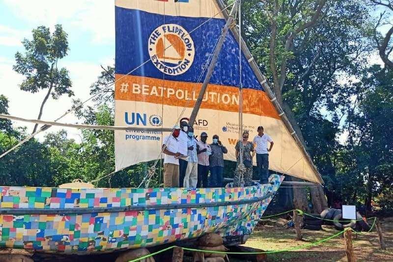 Flipflopi: el velero hecho de desechos plásticos y sandalias