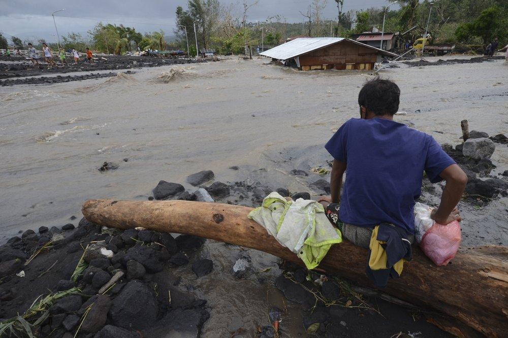 Filipinas contempla declararse en emergencia tras ser golpeados por tifones