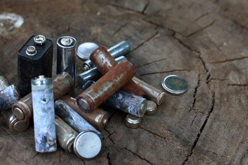 Baterías desechadas incorrectamente causan incendios