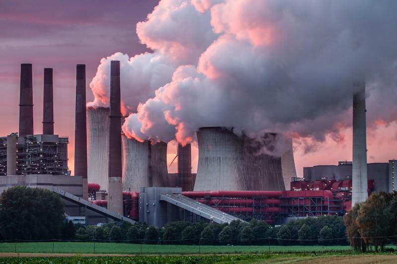 Empresas de carbón desafían los acuerdos climáticos