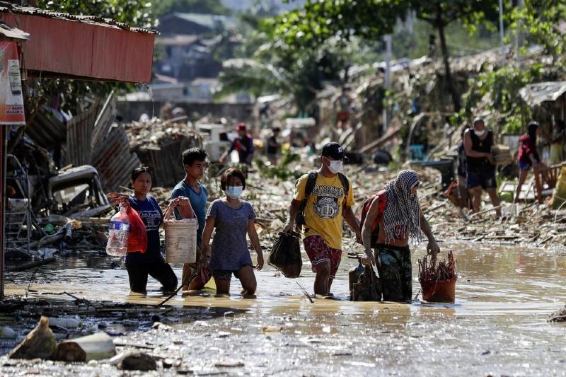Filipinas afectada por su peor tifón en años