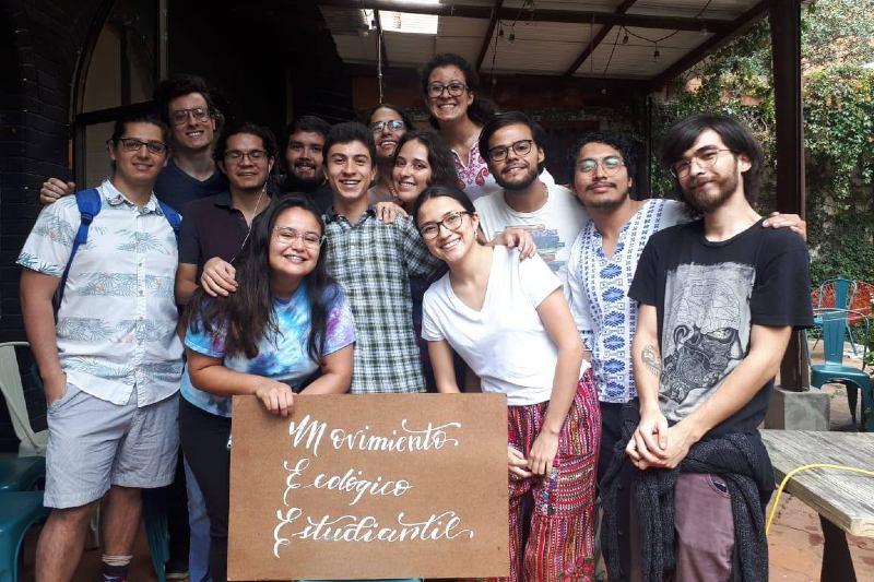 Movimiento Ecológico Estudiantil: adoptando prácticas sostenibles