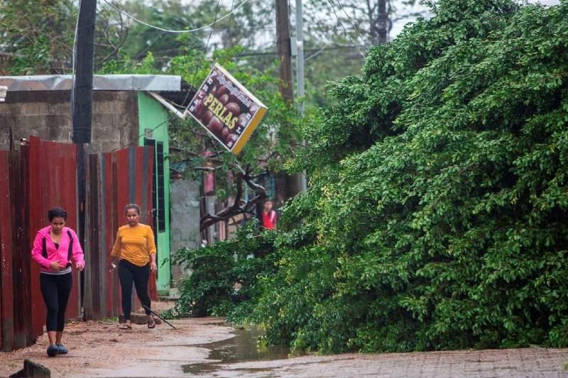 Nicaragua y Honduras azotados por el huracán Eta