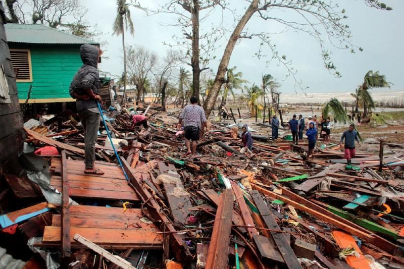 Damnificados por huracanes en Centroamérica siguen a la espera de ayuda humanitaria