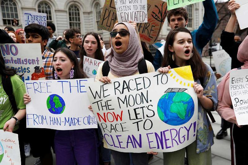Jóvenes piden a líderes mundiales adaptarse a su futuro