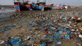 Vietnam introduce medidas para reducir los desechos plásticos