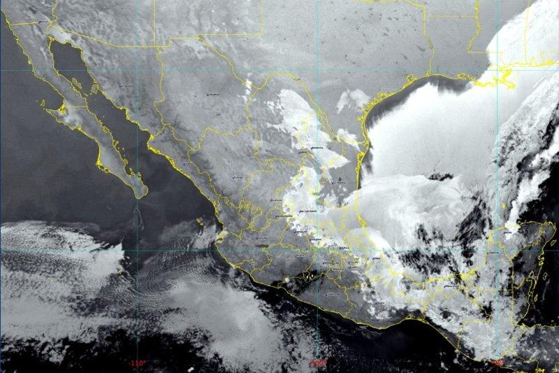 México es golpeado por su décima tormenta invernal
