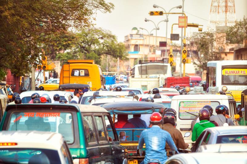 India no extenderá su fecha límite para empresas de automóviles busquen opciones sostenibles