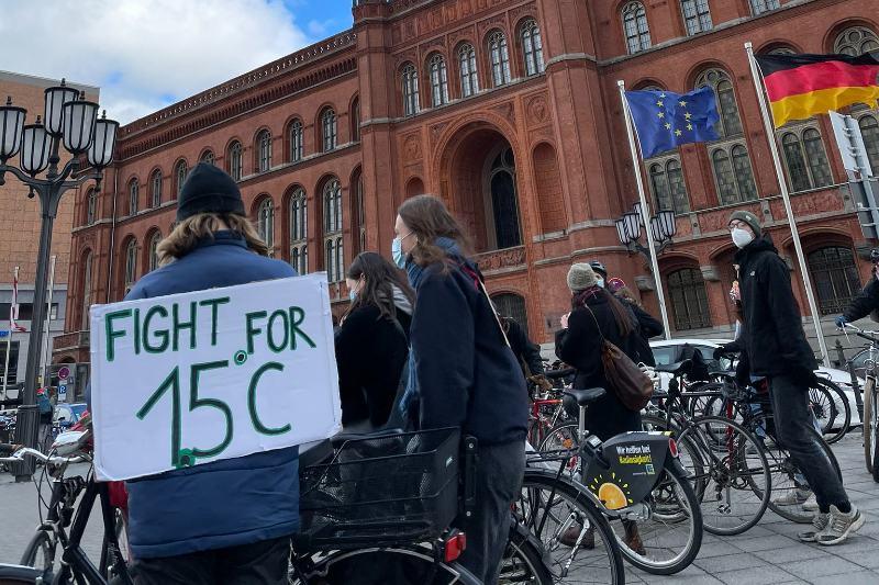 Jóvenes del mundo se unen en protestas climáticas