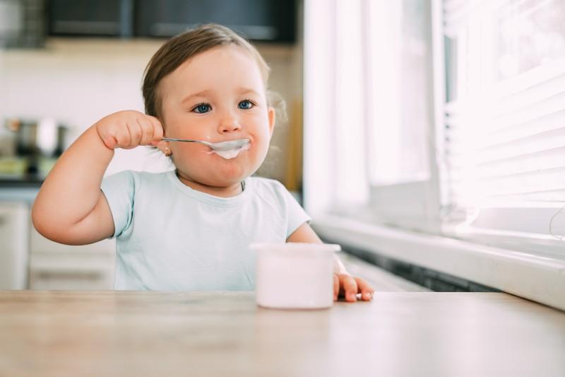 Estudio descubre metales tóxicos en alimento para bebés