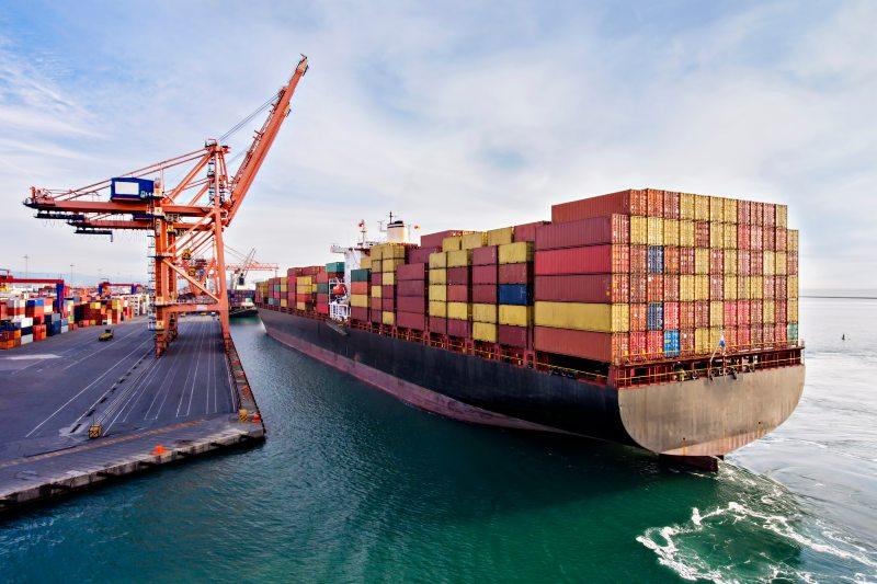 Disminuir la velocidad de los barcos puede ayudar a reducir la contaminación marina