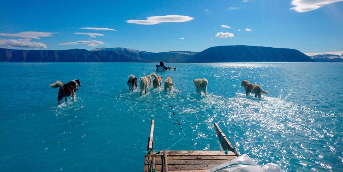 Deshielo ha causado el derretimiento total de varias zonas de Groenlandia - Foto por AP