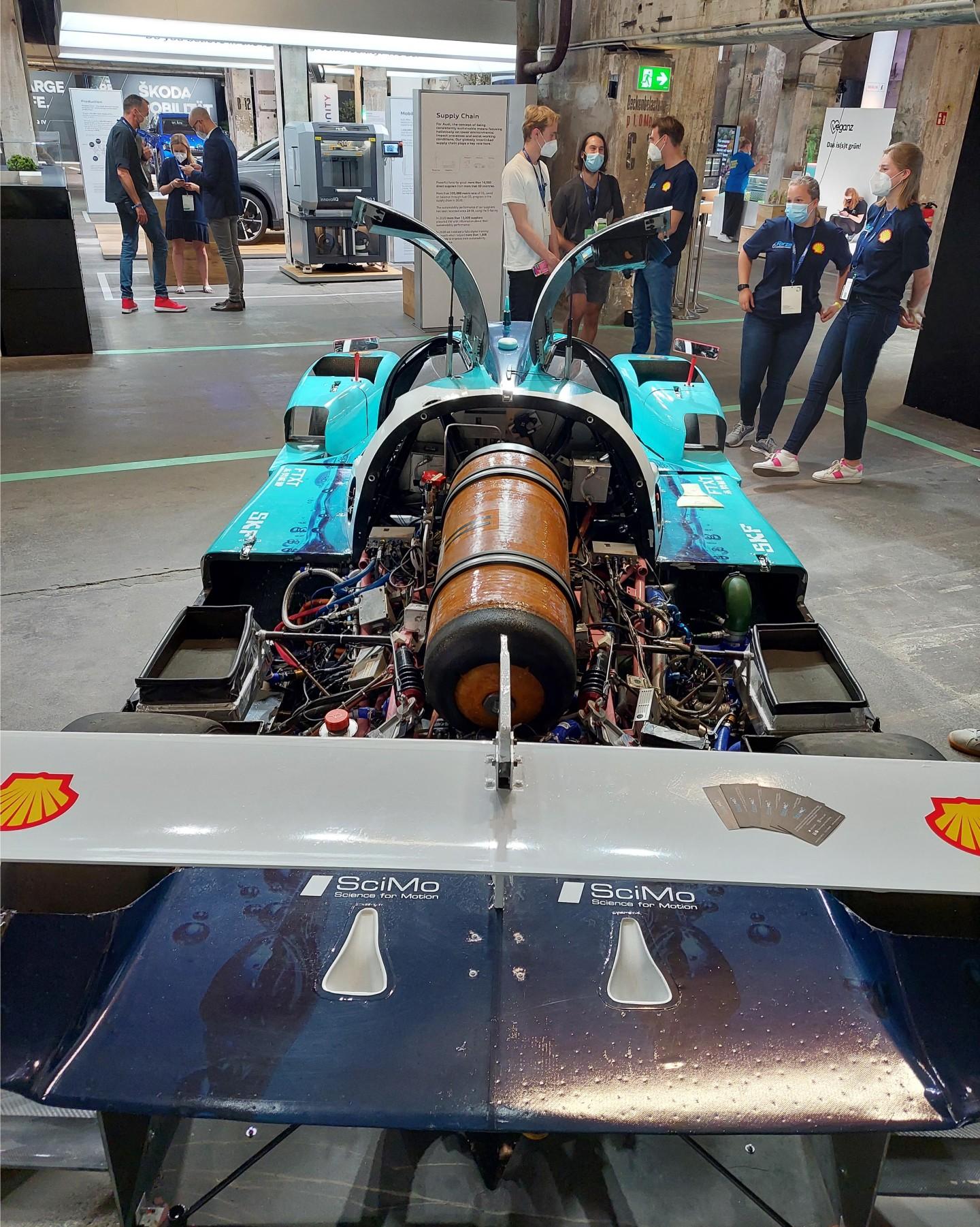 Grupo de estudiantes crea auto de carreras a base de hidrógeno - Foto por Anisa B/FuturoVErde