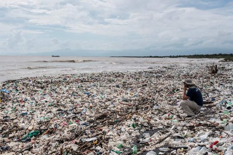 Guatemala: colapso de biobarda causa más contaminación en las playas