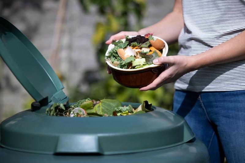 El compost ayuda a reducir nuestra huella de carbono