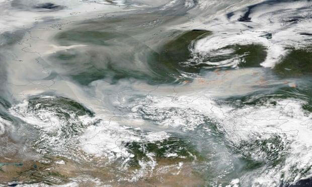 Humo de incendios de Siberia se expande por las ciudades aledañas. - Foto Nasa Earth Observatory/AFP/Getty Images