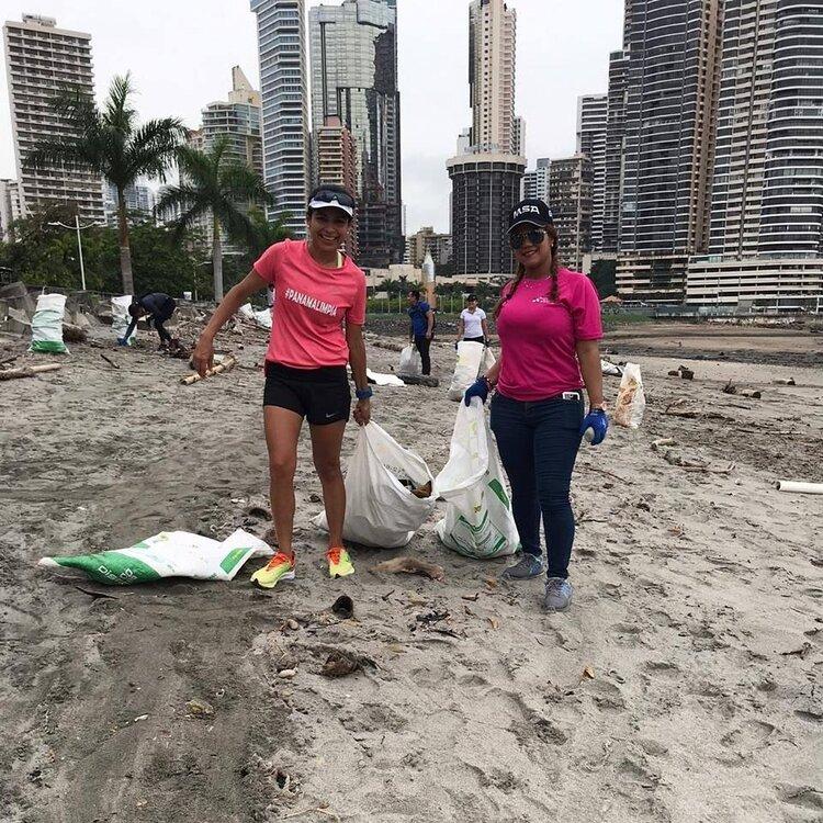 Jornada de limpieza de playas en la Cinta Costera 1 - Foto Compite Verde